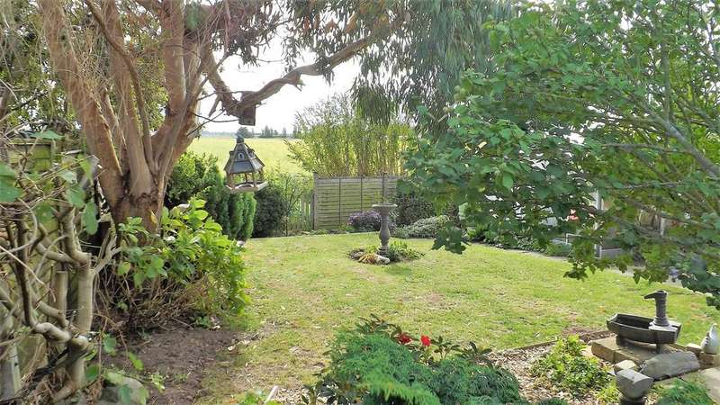 2 Bedrooms Detached Bungalow for sale in Roman Bank, Gedney Dyke