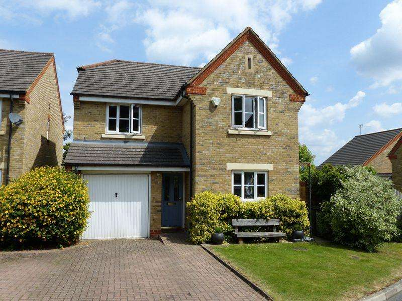 4 Bedrooms Detached House for sale in Cookham Rise