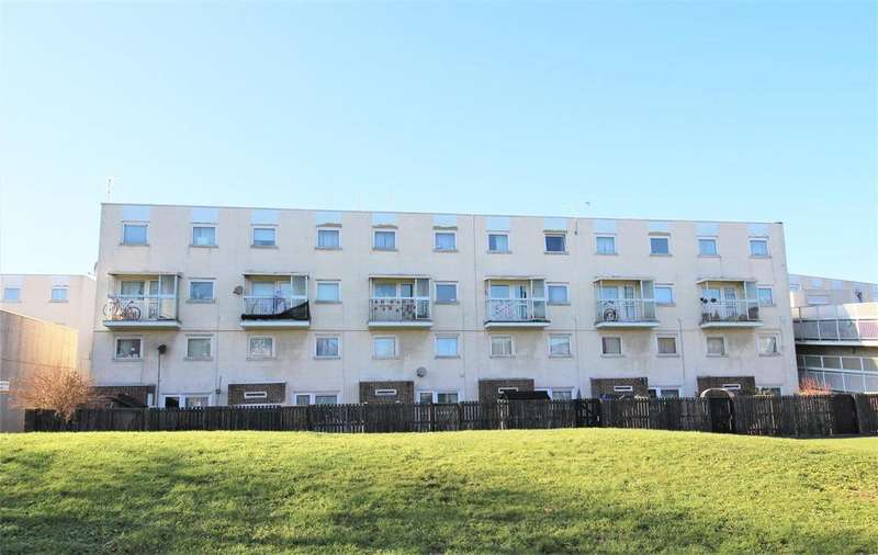 2 Bedrooms Flat for sale in Kilmiston Close, Portsmouth