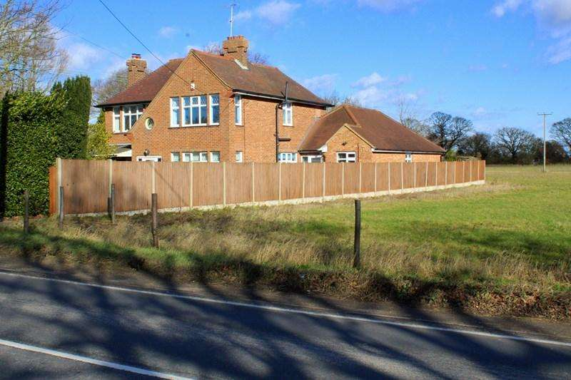 4 Bedrooms Detached House for sale in Clacton Road, Weeley Heath, Clacton-On-Sea