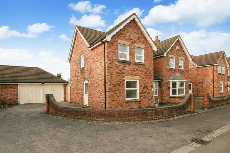 4 Bedrooms Property for sale in Warner Close Cleeve, Bristol