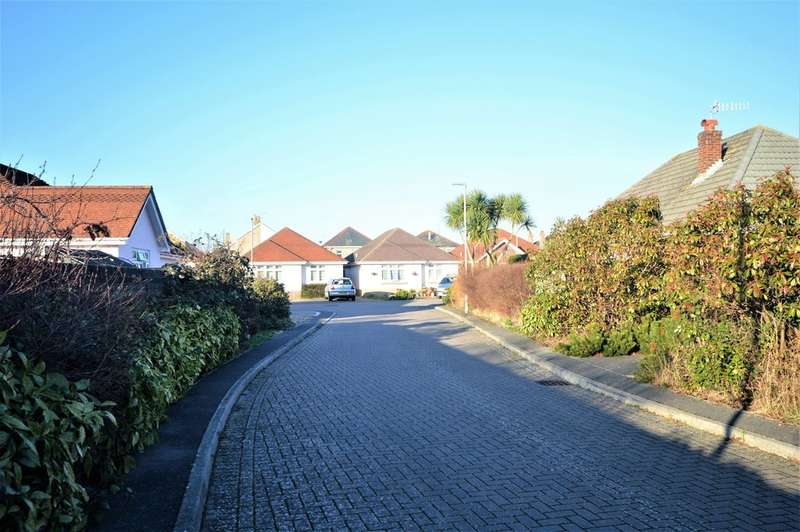 2 Bedrooms Detached Bungalow for sale in Camellia Gardens, Bournemouth