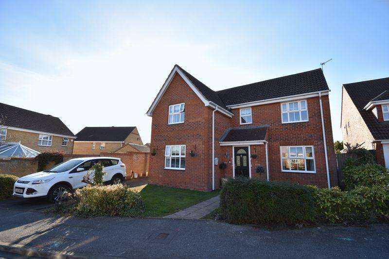 4 Bedrooms Detached House for sale in Arnald Way.