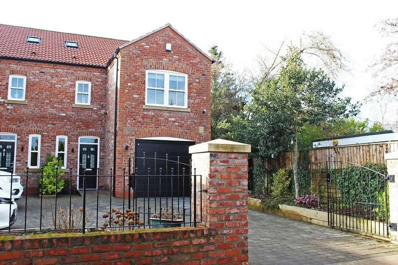 4 Bedrooms Semi Detached House for sale in Dove Lane, Norton, TS20