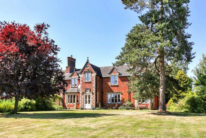 5 Bedrooms Detached House for sale in Dodsleigh, Leigh, Staffordshire