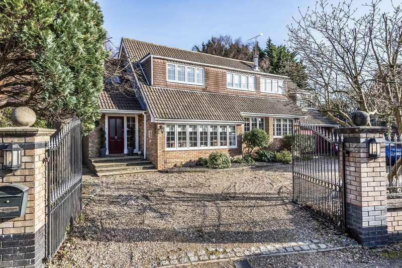 5 Bedrooms Detached House for sale in Wraysbury, Berkshire, TW19