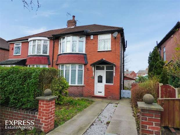 3 Bedrooms Semi Detached House for sale in Broadway, Chadderton, Oldham, Lancashire
