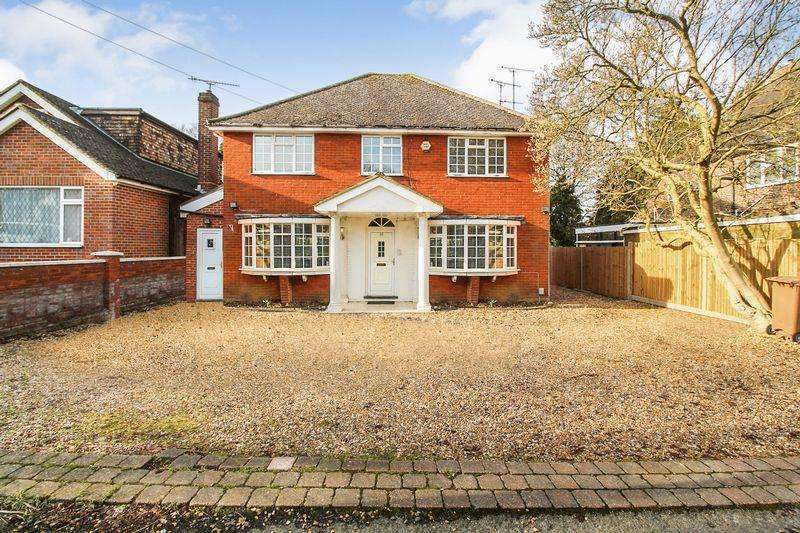 4 Bedrooms Detached House for sale in Compton Avenue, Luton