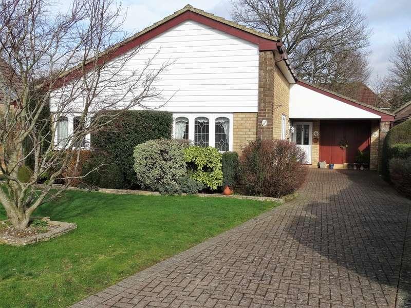 3 Bedrooms Detached Bungalow for sale in Cadman Close