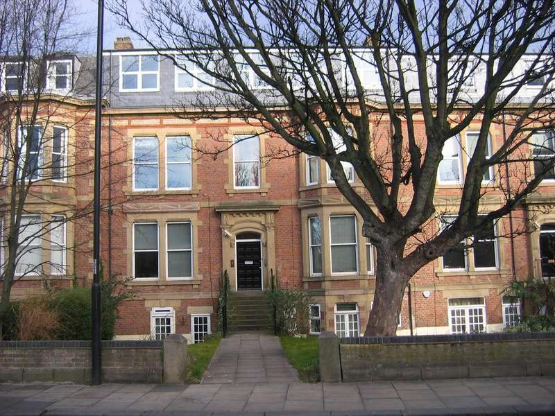 3 Bedrooms Ground Flat for sale in Osborne Tce, Jesmond, Newcastle upon Tyne NE2