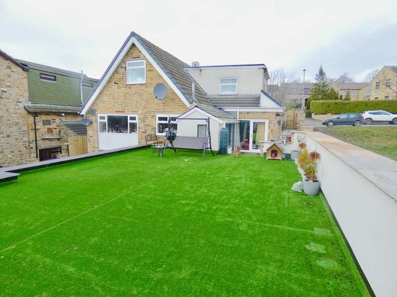 4 Bedrooms Detached House for sale in Kitson Hill Road, Mirfield, West Yorkshire, WF14