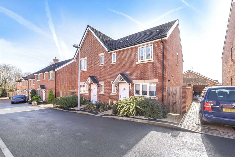 3 Bedrooms Semi Detached House for sale in Hampshire Close, Wokingham, Berkshire, RG41