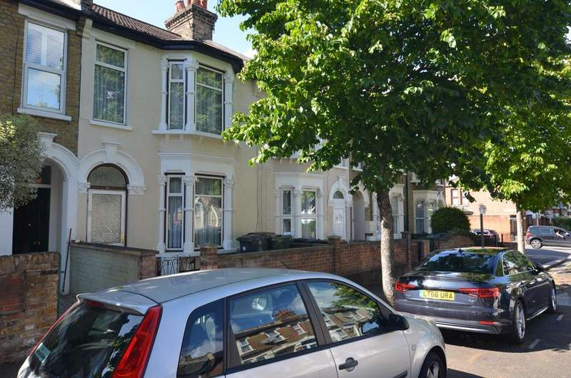 3 Bedrooms Terraced House for sale in Pretoria Road, London, E11