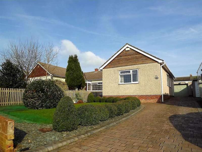 2 Bedrooms Bungalow for sale in Parkers Avenue, Wick, Bristol, BS30 5QU