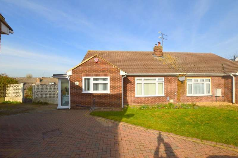 3 Bedrooms Bungalow for sale in The Crest, Warden Hills, Luton, LU3 2LE