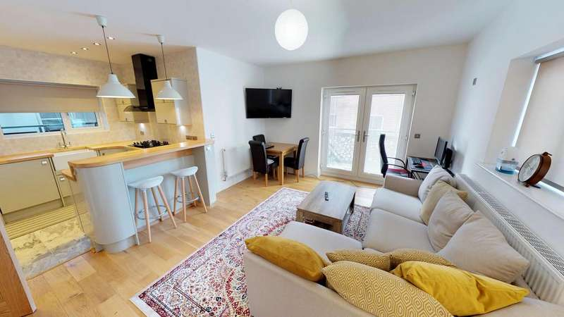 2 Bedrooms Apartment Flat for sale in The Academy, Hull City Centre