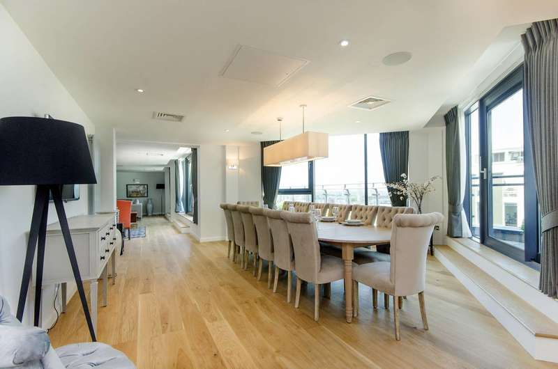 4 Bedrooms Flat for rent in Millharbour, Isle Of Dogs, E14