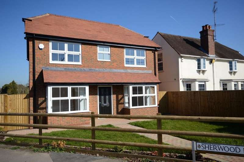 4 Bedrooms Detached House for sale in Danywern Drive, Winnersh