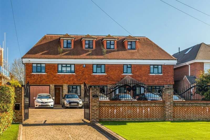 6 Bedrooms Detached House for sale in High Road, Chigwell, IG7