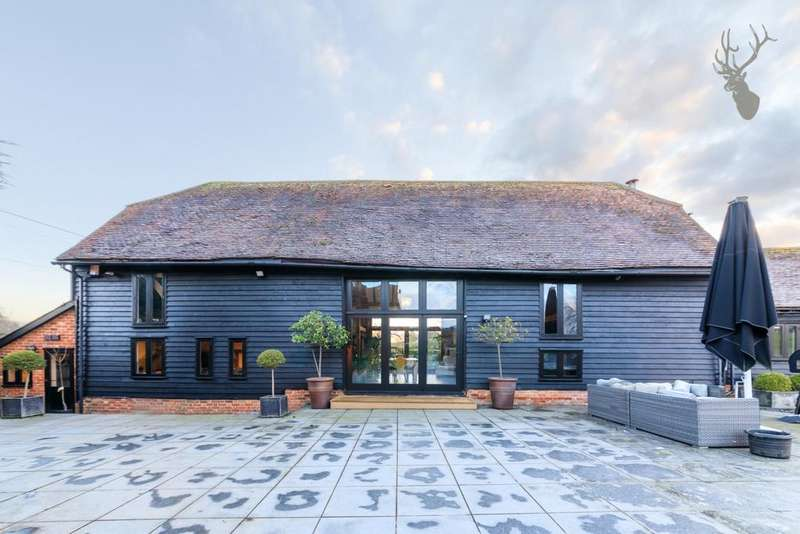 5 Bedrooms House for sale in Coopersale Street, Fiddlers Hamlet, CM16