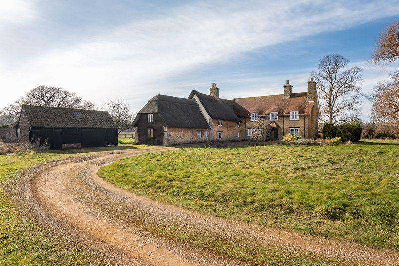 5 Bedrooms Detached House for sale in Lower Farm Road, Bromham, Bedfordshire, MK43
