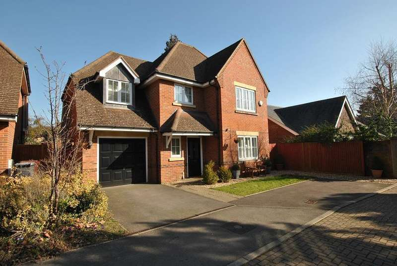 5 Bedrooms Detached House for sale in George Close, Caversham, Reading