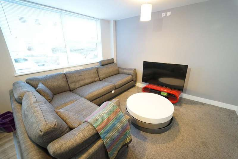 7 Bedrooms Flat for rent in Flat 1, 10 Middle Street