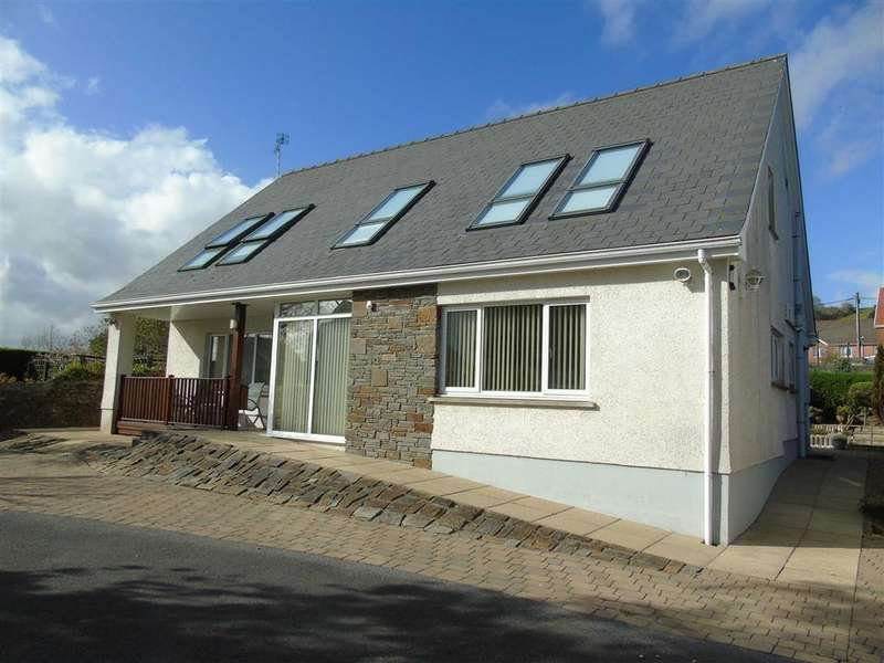 4 Bedrooms Detached House for sale in Danlan Road, Pembrey, Burry Port