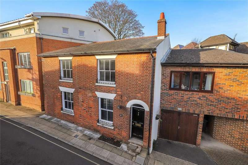 3 Bedrooms Link Detached House for sale in Cross Street, Winchester, Hampshire, SO23