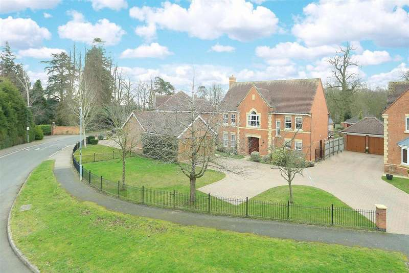 5 Bedrooms Detached House for sale in Woodlands Close, Stretton Hall