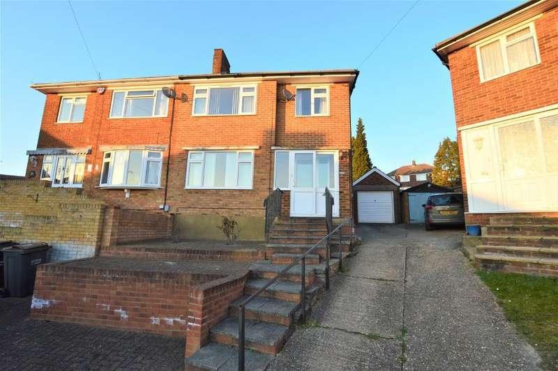 3 Bedrooms Semi Detached House for sale in Pennine Avenue, Sundon Park, Luton, Bedfordshire, LU3 3EH