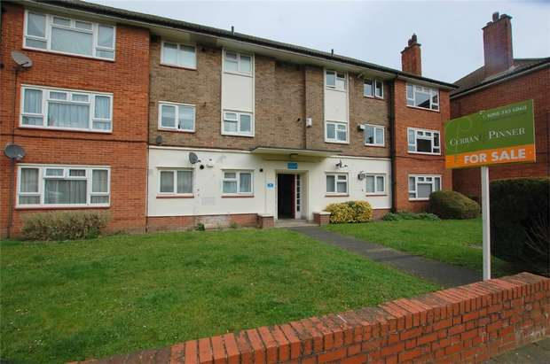 3 Bedrooms Flat for sale in Martins Road, Shortlands, Bromley, Kent