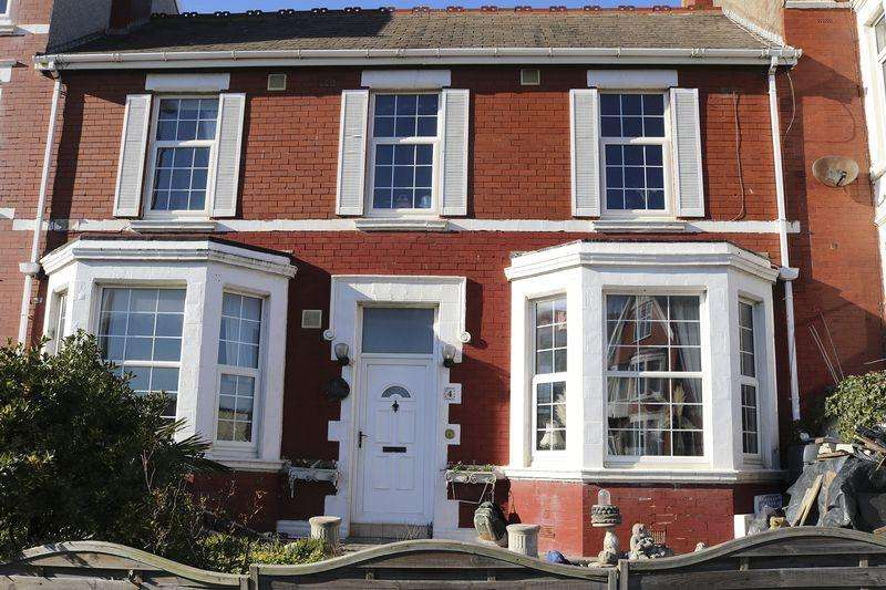 3 Bedrooms House for sale in Warbreck Hill Road, Blackpool