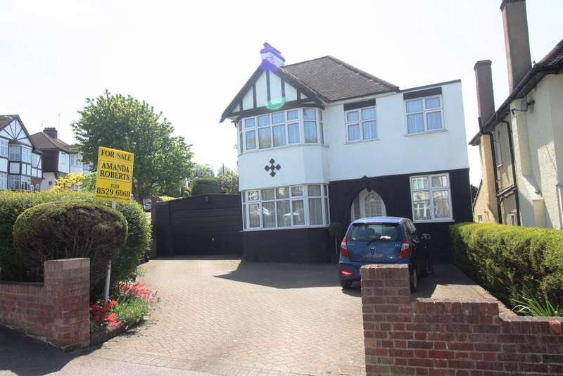 3 Bedrooms Detached House for sale in College Gardens, Chingford, London E4