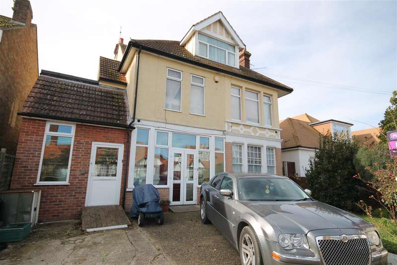 10 Bedrooms Detached House for sale in Trafalgar Road, Clacton on Sea