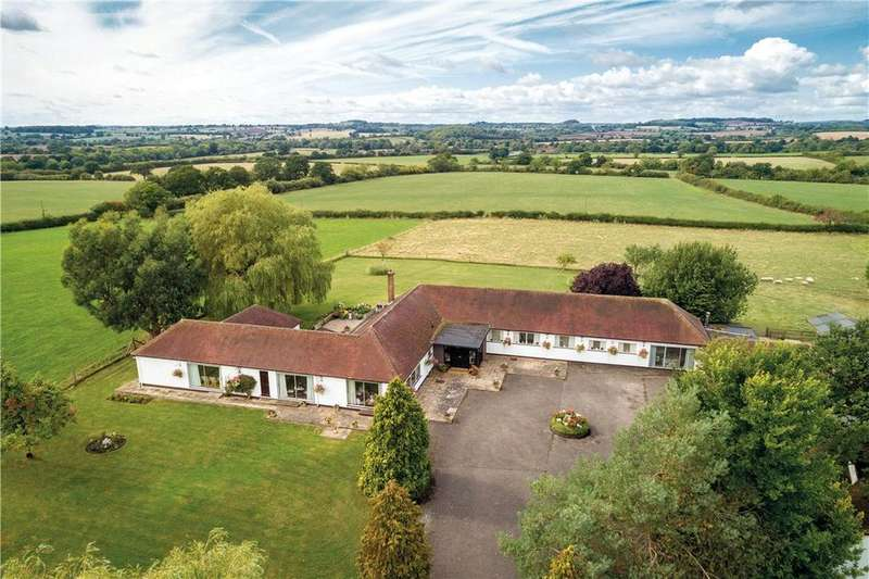 5 Bedrooms Detached House for sale in Stratford Road, Wootton Wawen, Henley-in-Arden, B95