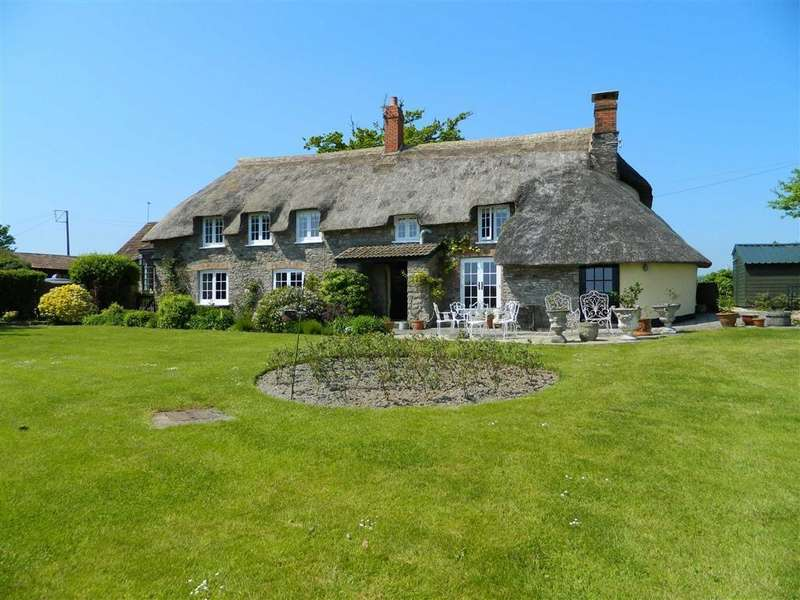 5 Bedrooms Detached House for sale in Ashbrittle, Wellington, Somerset, TA21