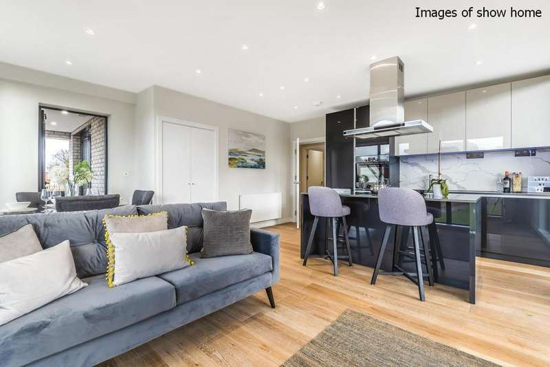 2 Bedrooms Flat for sale in Carter House, Brookhill Road, Woolwich
