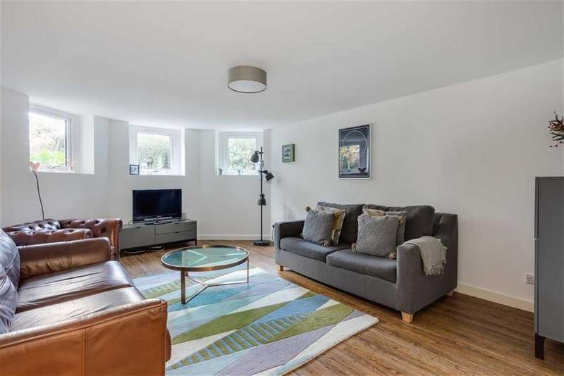 2 Bedrooms Flat for sale in Ravenswood Road, Redland