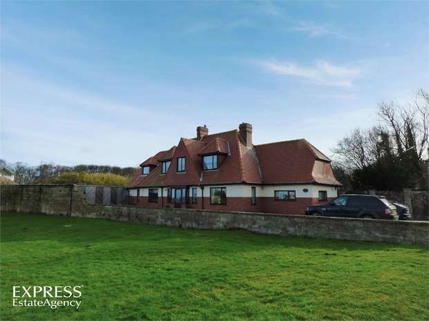 4 Bedrooms Detached House for sale in Cresswell, Cresswell, Morpeth, Northumberland