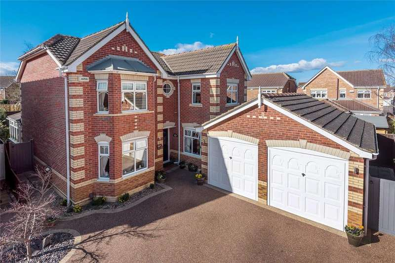 4 Bedrooms Detached House for sale in Hampton Close, Country Park, DN35