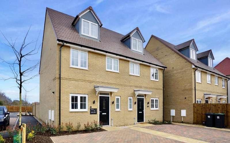 3 Bedrooms Semi Detached House for sale in Burmo Way, Potton