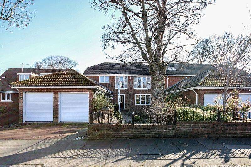 4 Bedrooms Detached House for sale in Elgy Road, Gosforth, Newcastle upon Tyne