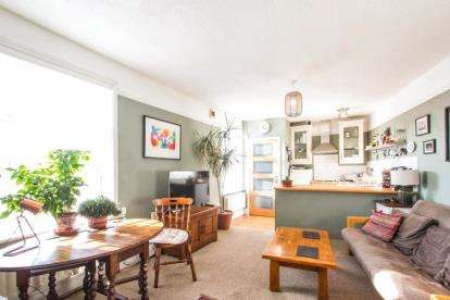1 Bedroom Flat for sale in Luckwell Road, Bedminster, Bristol