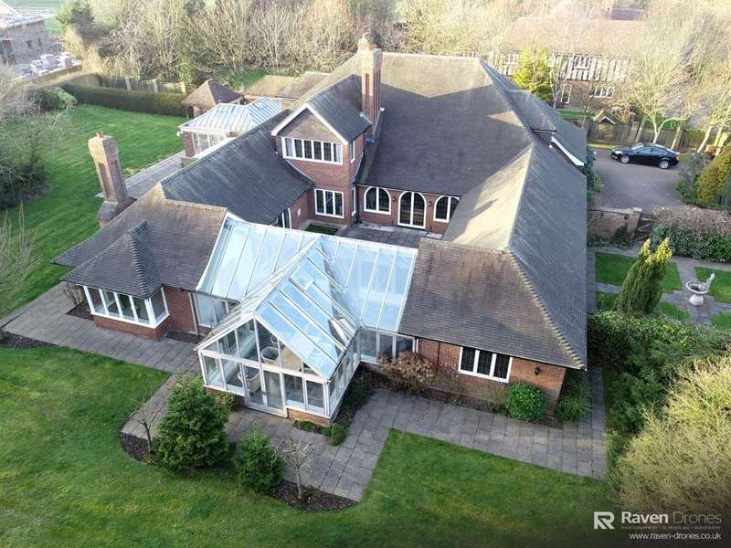 5 Bedrooms Detached House for sale in Beck House, The Paddocks, Barnoldby-le-Beck