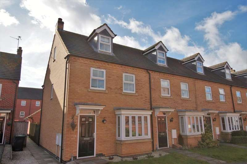3 Bedrooms Semi Detached House for sale in Greenfinch Crescent, Witham St. Hughs