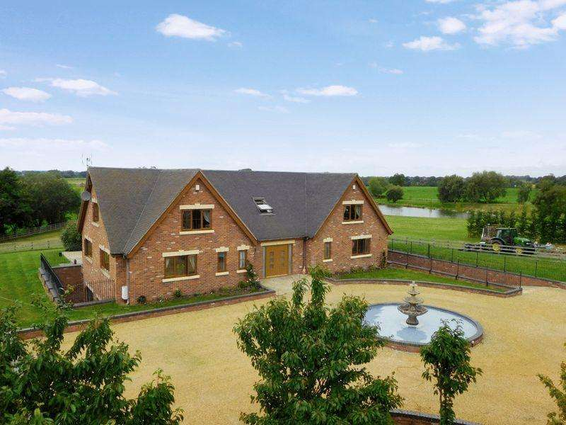 6 Bedrooms Detached House for sale in Crewe Road, Walgherton, Nantwich