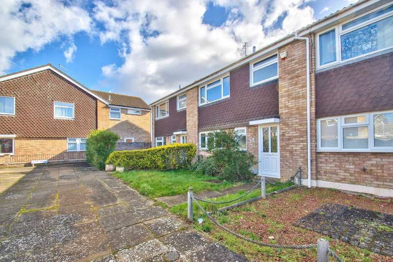 3 Bedrooms Terraced House for sale in Lune Walk, Brickhill, Bedford, MK41 7BG