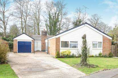 3 Bedrooms Bungalow for sale in Paxford Place, Wilmslow, Cheshire