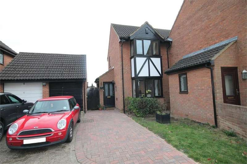3 Bedrooms Semi Detached House for sale in North Bridge Street, Shefford, Bedfordshire
